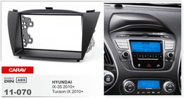 Kits de hyundai dash online-CARAV 11-070 Fascia de radio de alta calidad para HYUNDAI iX-35, Tucson iX 2010+ Stereo Fascia Dash Kit de instalación de guarnición de CD