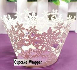 Wholesale Laser Cut Cupcake Boxes - Laser Cut Snowflakes Styles Baking Cupcake Wrapper Cake Liners Decorating Boxes Cup Tools Craft Supplies For wedding party Decorations