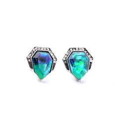 Wholesale Green Emerald Stones - 2016 Bevel Heart Sapphire Stud Earrings Bevel Stone Studs with Crystal Paved Edge Popular for Lady Free Shipping