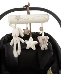 2019 pano bebê brinquedo bola Pingente de pelúcia Cama de Bebê Berços Do Bebê Berço Lindo Adorável Infantil Bebê Recém-nascido Pram Cama Sinos Macios Pendurados Crianças Brinquedos Animal Chocalhos