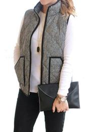 cuello de la chaqueta sin mangas bolsillos Rebajas Al por mayor-Big Pocket Otoño Invierno sin mangas de algodón de las mujeres chaquetas de las señoras ocasionales de mezclilla negro chaleco en espiga chaleco de algodón acolchado