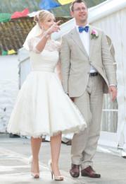 Wholesale Cheap Lace Dress Knee Long - 2017 Short Lace Long Sleeves Wedding Dresses Bateau Appliques A Line Knee Length Cheap Custom Modest Beach Bridal Gowns Vestidos De Noiva