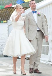 Wholesale Modest Knee Length Dresses - 2017 Short Lace Long Sleeves Wedding Dresses Bateau Appliques A Line Knee Length Cheap Custom Modest Beach Bridal Gowns Vestidos De Noiva