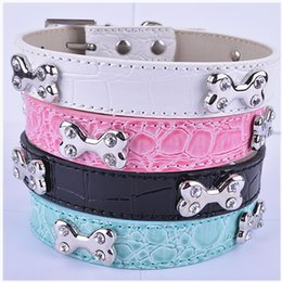 Wholesale White Croc Leather - Wholesale Croc Leather Dog Collars Zinc Buckle Bone Shaped Dog Accessories Collares Mixed Black White Pink Blue Colors