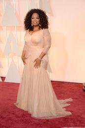 2019 robes drapées grande taille 2020 blush rose robes de célébrités Oscar Oprah Winfrey, plus la taille v cou fourreau tulle avec manches longues balayage train robes de soirée drapées promotion robes drapées grande taille