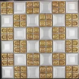 Vendita calda porcellana oro bianco colore mosaico quadrato piastrelle pavimenti in ceramica per TV sfondo cucina backsplash design di lusso cheap white tile backsplash kitchen da cucina bianca piastrella backsplash fornitori