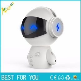 2019 robô multifuncional Novo hot Robot Bluetooth Speaker Multi-função Cartão Pessoal Pequeno Festival de Áudio Presente Presente Charger Po novo produto robô multifuncional barato