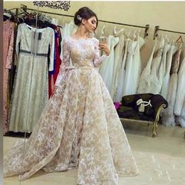 Vestido de coral línea de encanto online-2016 Último White Lace Champagne Satin Una línea de Arabia Saudita Vestido de noche de manga larga con Encanto Applique cuello redondo árabe Dubai vestido de fiesta