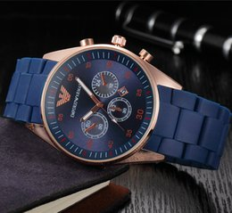 Wholesale cheap sports watches - Men Watch Luxury Brand Watches Quartz Clock Fashion Rubber band clock Belts Watch Cheap Sports Wristwatch Relogio Male