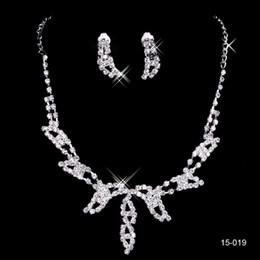 Elegante perle gesetzt armbänder online-15019 Design Elegantes Silber überzogen Perlen Strass Braut Halskette Schmuck-Set Günstige Zubehör für Prom Party 15