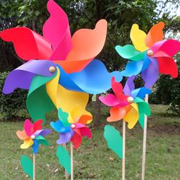 attrezzi da giardino antichi Sconti Giocattolo del capretto della decorazione di cerimonia nuziale del giardino domestico del mulino a vento di legno variopinto del PVC di 12cm
