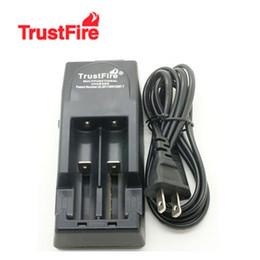 Литиевые батареи для автомобилей онлайн-Бесплатно DHL, 3в-3.6 В Напряжение TrustFire 001 TR001 литиевая батарея зарядное устройство для 14500 16340 18500 18650 аккумулятор + автомобильное зарядное устройство ЕС / США штекер