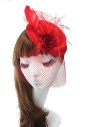 Britischer kleiner hut online-Cocktail-Hüte-britischer Retro- Tulle-handgemachte Blumen-Schleier-reizvolle preiswerte Art- und Weisedame-kleiner Hut-Brautkopfschmuck-Hochzeits-Zusätze