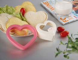 Wholesale Heart Shape Cutters - 100PCS Novelty Kitchen Tools Plastic DIY Heart Shape Sandwich Mold Maker Cutter Bread Toast Cookie Cake Mold Free Shipping