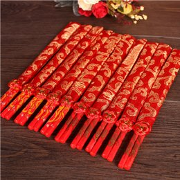 Wholesale Chinese Bamboo Chopsticks - Fashion Red Chinese Bamboo Wooden Wedding Chopsticks Favors With Silk Pouch