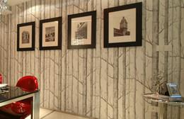 Schwarze weiße moderne tapete online-New Birch Tree Muster Vlies Holz Tapetenrolle moderne Designer Wandverkleidung einfache Schwarz-Weiß-Tapete für Wohnzimmer