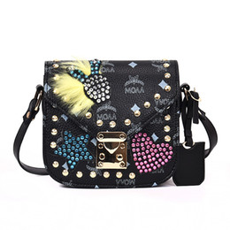Wholesale Hard Street Bags - Brand handbag factory street style fashion personality messenger bag clamshell diamond rivet rivet printed Leather Shoulder Messenger Bag