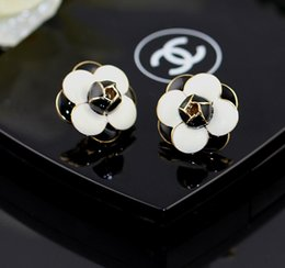 Wholesale Korean Import High End Jewelry - Fashion flowers earrings earrings Korea imported genuine purchasing high-end jewelry gift Korean women OL Accessories