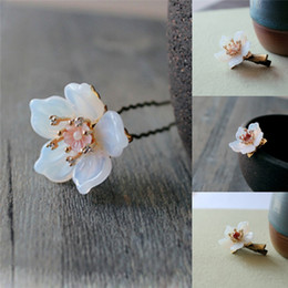 Wholesale Chinese Hair Flowers - Jade Pearls Flower White Hairpin Chignon Pin Hair Clip Sticks Classical Gift Toy Chinese Style Hair pin Clip Sticks 1pc