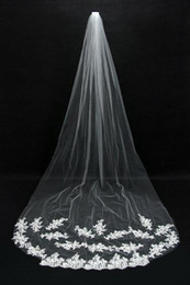Wholesale Net Metering - Bridal Veils Cheap Long Veils 2015 Soft Tulle Three Meters Long Veils with Lace on the Edge Cathedral Veils CPA067