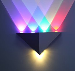 ktv light Coupons - 5W Triangle LED Wall Light Sconces Mirror Lamp Backlight Decorative llight LED Corridor light Epistar energy saving LED lamp bar KTV room