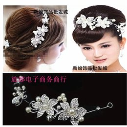 Wholesale Two Crystal Headbands - Two Style Withe And Red Bridal Headwear Tiaras Wedding Accessories Flower Vintage Hair Accessories Crown Jewelry Party Women Headbands WWL