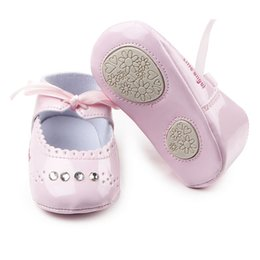 Wholesale leather dress for baby girl - Wholesale- Hot Baby Girl Shoes Shiny Riband Leather TPR Sole Prewalker Baby Girl Dress Shoes For 0-15 Months