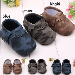 Wholesale Toddlers First Walkers - Baby First Walker moccs Pu Leather Baby moccasins soft sole moccs leather camo leopard prewalker booties toddlers infants bow leather shoes