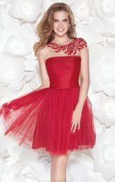 Discount jewel neckline homecoming dress - 2015 New Red Homecoming Dresses Crew Neckline Cap Sleeve A-Line Beaded Sequined Ruffles Tulle Lace Short Prom Gowns Hot Sales H005