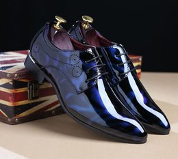 Wholesale Pvc Dress Lace - New arrival shiny Men's Casual Loafers Dress Shoes luxury brand Italy Style Man Party Wedding Shoes Business leather shoes 243