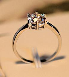 Wholesale Ladies Gold Diamond Ring - Ladies' Zircon Fashion Engagement Ring Diamond Wedding Ring Men and Women In Same Style Ring US Size6 7 8 9 Color :White