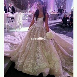 2019 vestido de flores de talla grande azul nude Royal Princess 2019 vestido de fiesta sin tirantes vestidos de novia apliques cintura imperio tren vestido de novia vestidos de boda magníficos personalizados