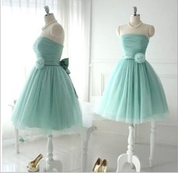 Wholesale Lovely Gowns Girl S - Short Lovely Tulle Bridesmaid Dresses For Teens Young Girls Chic Flower Bow Sash Lace up Strapless Bridal Wear Gowns