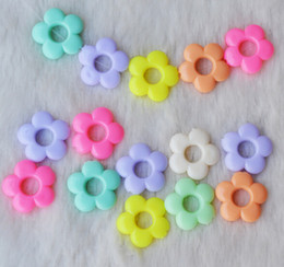 Wholesale Plastic Beads For Crafts - 560pcs 15mm Beautiful Sweet Candy Flower Beads With Hole For Jewelry Craft DIY Necklace Bracelet Puzzle Game B06