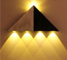 Luz de parede triangular on-line-Super brilhante 5 W Triângulo De Alumínio LEVOU Lâmpada de Parede Lâmpada Moderna Casa de Iluminação Interior Ao Ar Livre Decoração ed lâmpada de parede minimalista moderno AC90-265