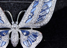 Wholesale Emerald Green Glass Plates - The butterfly brooch brooch all-match zircon female Korean luxury accessories jewelry cardigan suit coat pin temperament