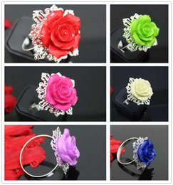 Wholesale Serviette Holders - New 60pcs lot Antique 6 Colors Mixed Resin Napkin Ring Serviette Holder For Wedding Party Banquet Adornment