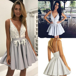Wholesale Green Sexy Mini Dress - 2017 Homecoming Dresses A Line V Neck Spaghetti Mini Cocktail Party Dresses With Applique Backless Short Prom Dresses Custom Made