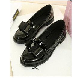 Wholesale Rubber Horseshoes - Wholesale-Spring 2015 New Korean Princess Bow Patent Leather Heels Horseshoe Round Both Black And White Made In China Stock Leather L73