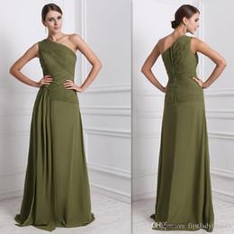 Verde oliva vestidos para damas de honra on-line-Moda Olive Green Damas de Honra Vestidos de Chiffon Um Ombro Plissados A Linha Longa Barato EUA Vestidos de Festa de Casamento 2015 Na Loja de Linha