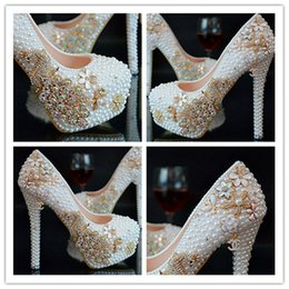 Zapatos de boda cómodas damas de honor online-Zapatos de tacón alto Boda de moda Panes de diamantes de lujo Ornamento Zapatos de novia Zapatos de dama de honor cómodos y antideslizantes calientes