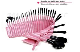 All'ingrosso-Professionale 32pcs Cosmetici occhio Make up Brush Kit 32 pezzi Pennelli trucco Set di strumenti bellezza Nero Rosa brochas pinceaux maquillage cheap 32 pcs makeup brush pink da pennello di trucco di 32 pc dentellare fornitori