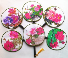 Wholesale Small Chinese Fans - Small Round Handle Fan Ladies Vintage Chinese Palace Silk Hand Held Fans Wedding Christmas Birthday Party Favor Children Dance Show Props