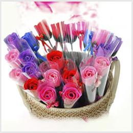 Sabão rosa pétala casamento favores on-line-Corpo de banho Rose Petal Flor Sabonetes Perfeito Como Favores Do Casamento Presentes de Aniversário ou Decoração 5 Cores Flor Sabão Rosa 1806002