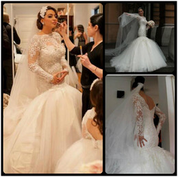 Wholesale Womens Wedding Gowns - 2016 Vintage Lace White Mermaid Wedding Dresses Scoop Neck Sexy V Back Appliques Long Sleeve Bridal Gowns For Bride Womens Custom