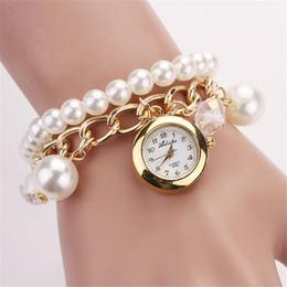 Orologio da polso da uomo al quarzo con cinturino in oro con diamanti sintetici simil-dorati per donna da braccialetti d'oro moderni fornitori