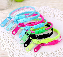 Wholesale Hip Hop Wristbands - Wholesale Candy Zipper Bracelet two tone double color hip hop plastic Zip Wristband bracelets Popular Zipper bracelet Wristband Mix Color