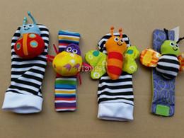 tipos de brinquedos para bebês 12 meses Desconto Fedex DHL Frete Grátis 2015 Wrist chocalho foot finder Bebê brinquedo Infantil pé Meia (50 chocalhos de pulso + 50 pés meias) lindo bebê