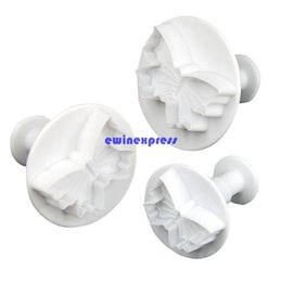 Wholesale Set Butterfly Mold - 3pcs set Butterfly Sugarcraft Fondant Cake Mold Cutter cookies chocolate moulds cake decorating tools Christmas Kitchen Tools