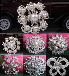 flower brooch mix Promo Codes - Fashion Wedding Brooches for Bridal Party with 7 Mix Styles as Gifts Silver Alloy and Rhinestone Flowers Pearl Pins